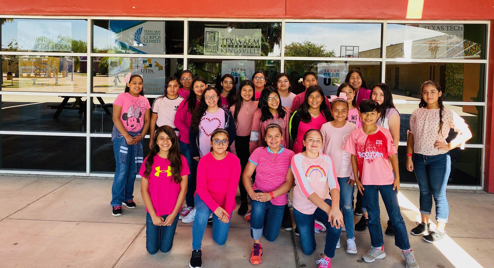 Students Choose Pink to Fight Drugs
