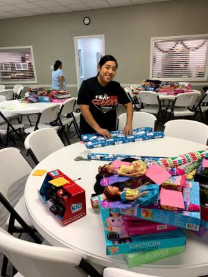 Children's Home Gift Wrapping Volunteers