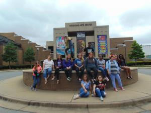 Group picture outside the Arkansas Arts Center