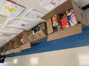 Students Create 20 Thanksgiving Meal Baskets