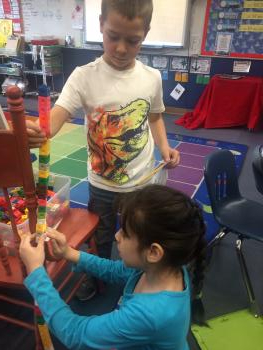 Measuring objects with cubes