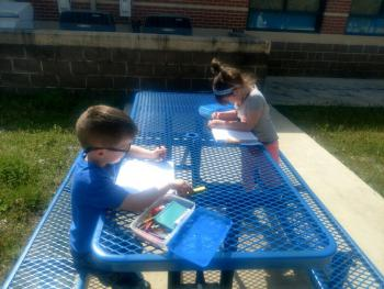 Kg journaling outside