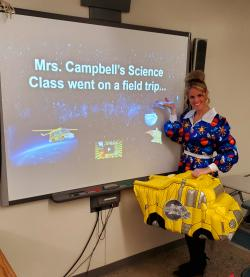 Ms. Frizzle Takes Her Students to Space!