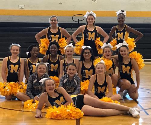 2019-2020 MMS Cheerleaders at summer practice!