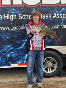 Thumbnail Image for Article Red Devil Angler Breaks Record