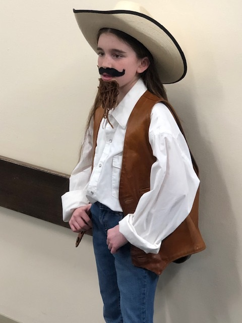 Buffalo Bill spoke about his life during the 4th grade Waxless Wax Museum.