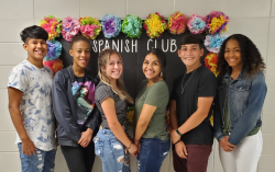 Spanish Club Elects Officers for 2019-2020