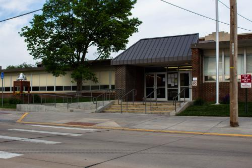 Front entrance to South Hutchinson Elementary