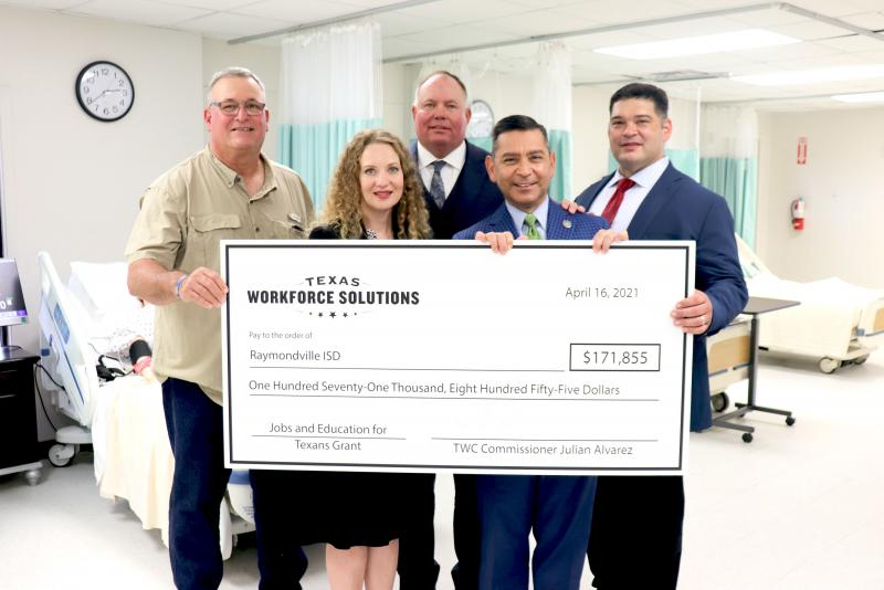 Texas Workforce Commissioner visits  RECHS Health Careers Academy
