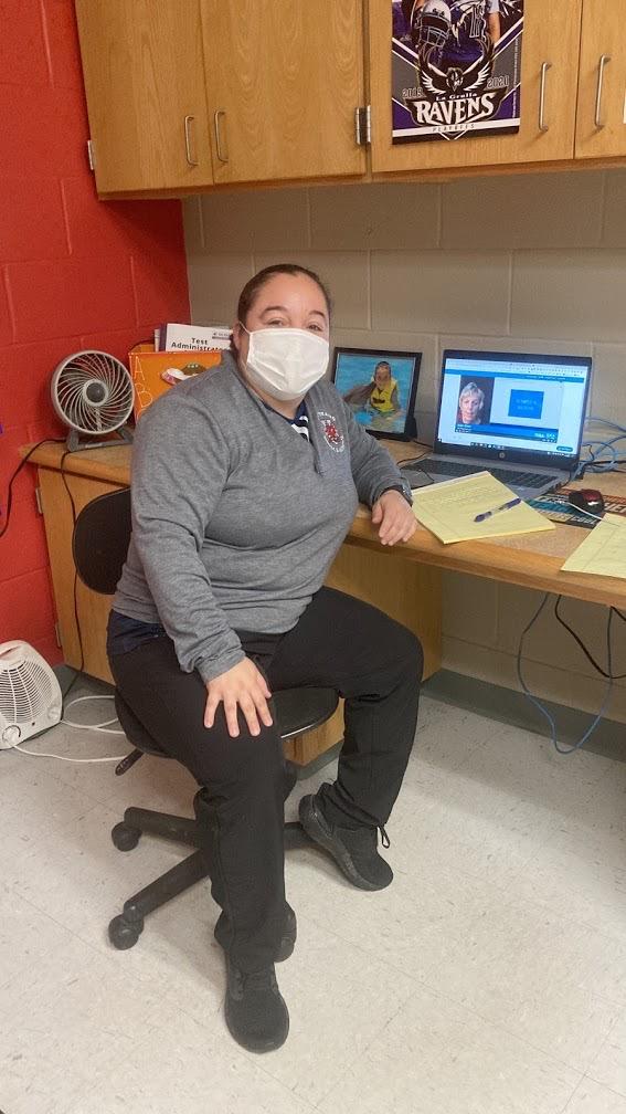 Veterans Middle School Tech Coach Pamela Alaniz