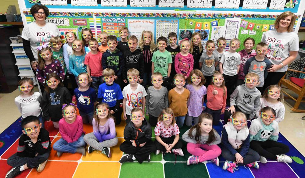 first grade group picture on 100th day of school