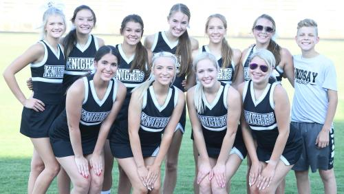 varsity cheer group picture