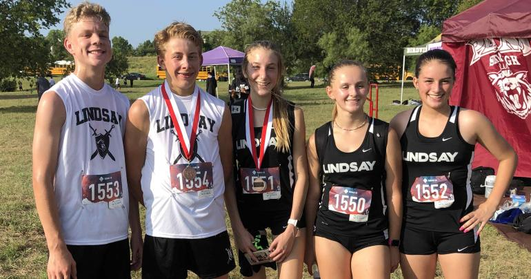Cross Country group picture at Haltom City meet