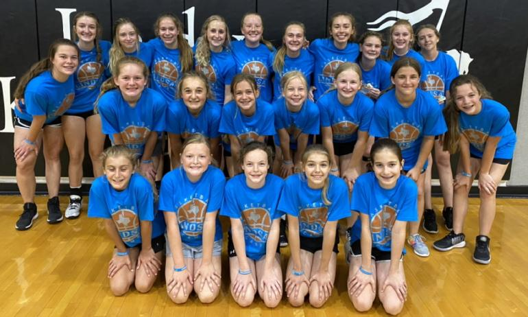 Girls basketball camp group picture