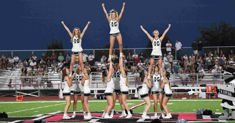 Cheerleaders performance at Muenster.