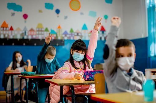 students with face masks