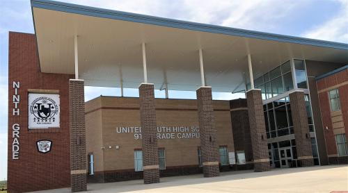 Front View of USH 9th grade campus