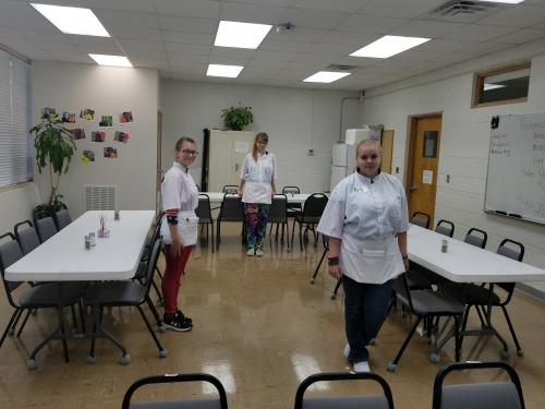 Students prepared to learn how to be restaurant wait staff