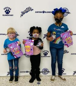 Justiss Elementary School awards prizes to top sellers in fundraiser