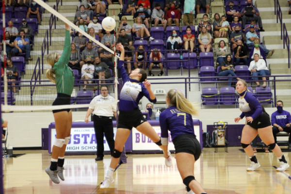 Volleyball wins 3-2 in the match against Mabank on Sept. 1.