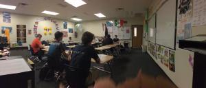 Mis estudiantes jugando.