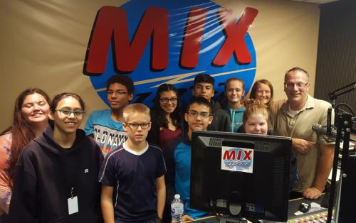 Students visit Mix 1077 studio