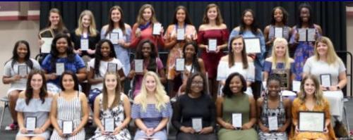 2018 girls athletic award winners