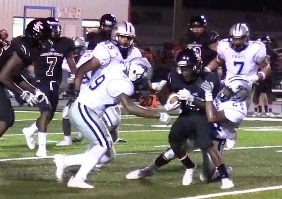 Paris defense stops L-E runner