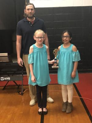 3rd Place Kylie Brandt & Peyton Wind pictured with Mr. Fox
