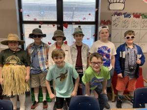 These tacky tourists know how to have fun!