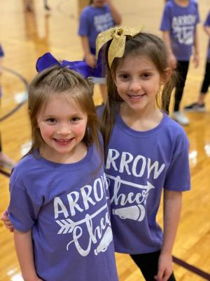 The LHS Cheer Squad hosted their annual mini cheer clinic and LES was well represented with lots of future cheerleaders! They did a great job cheering the Lady Arrows to victory!