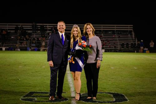Homecoming Queen with her parents