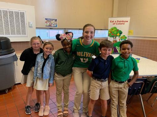 bolivar elementary students with high school student