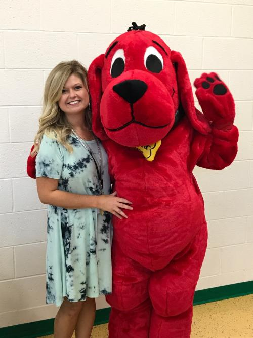 tracy lindsey with clifford mascot