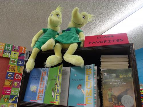 sneetch dolls on bookcase