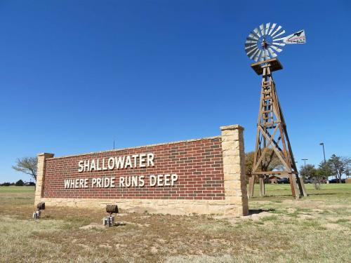 Shallowater Entry Sign - Pride Runs Deep