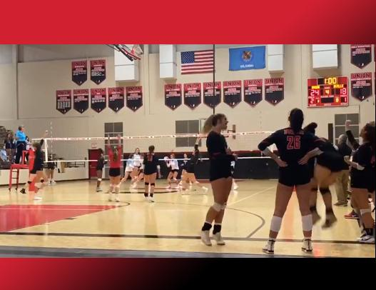 Union Volleyball defeats Bartlesville