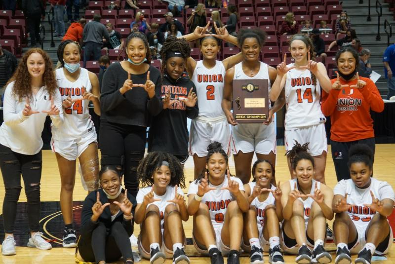 Women's Basketball Heads To State