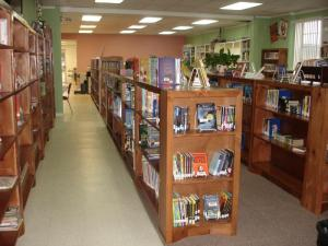 Welcome to the Cottonwood Library!  Notice our shelves, they were built by the Oklahoma Department of Corrections.  This was made possible by a Literacy for School Libraries Grant that we received.
