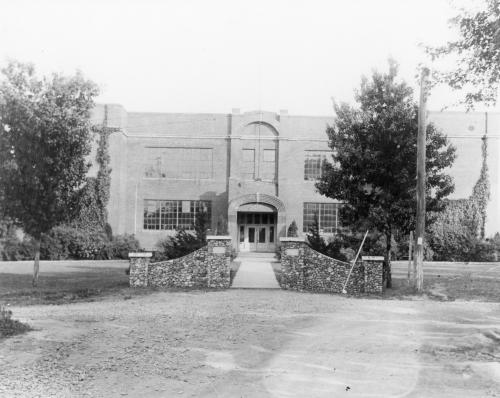 The brick high school that stood from 1925-1963.