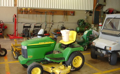 John Deere Lawnmower Picture