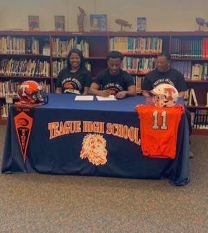 Nemier Herod signing with East Central Oklahoma.