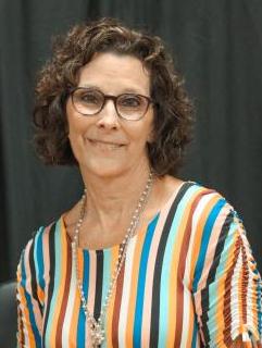 Headshot of Vanessa Cummings