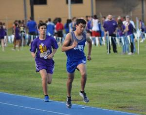 J. Hollingsworth running the mile