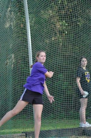 K. Hudler throwing the discus