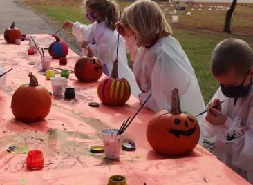 Coloring Pumkins