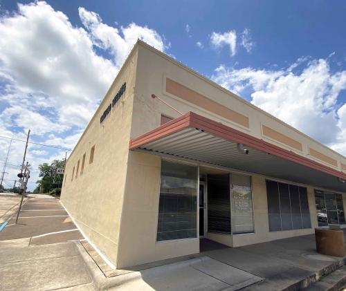 crawford building lineburger storefront