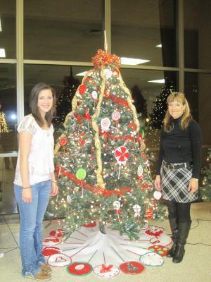 NAHS award winning tree for Goodwill Industries 2011