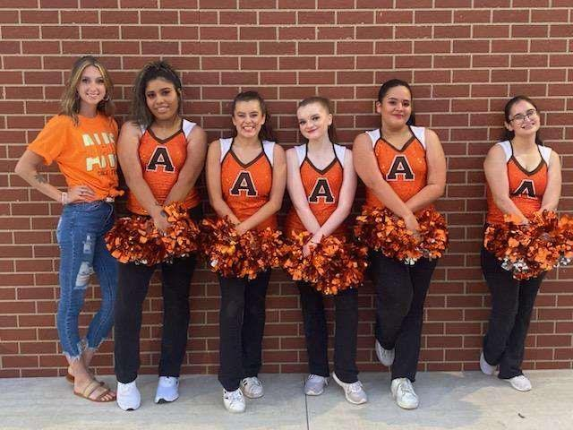After a whole year without Hip-Hop, the dance team returns