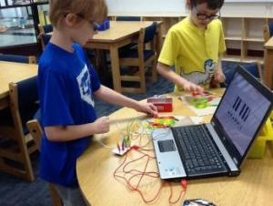 Playing the piano with gummy worms & Makey Makeys